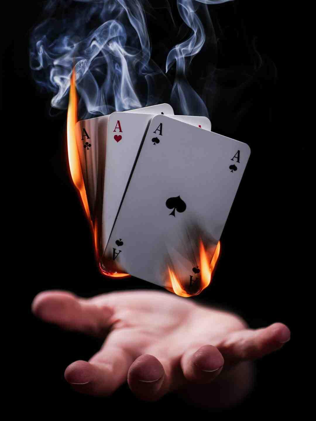 Tour de magie avec des cartes
