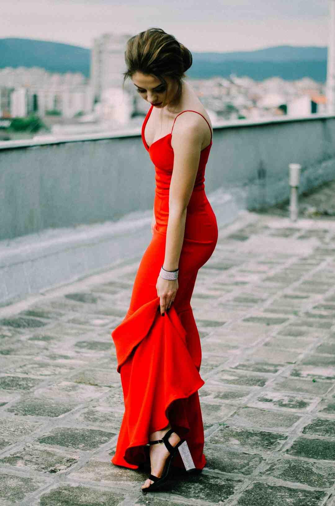Comment porter une robe longue